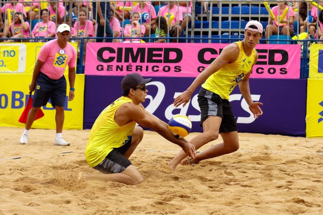 Guto e Saymon conquistaram a etapa de VIla Velha na última temporada. Crédito: Matheus Vidal/Inovafoto/CBV