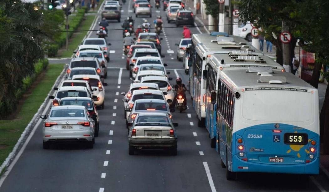 Na Avenida Vitória, a pista da direita vai ter o asfalto substituído por concreto. Pontos de interdição ainda serão definidos. Crédito: Vitor Jubini