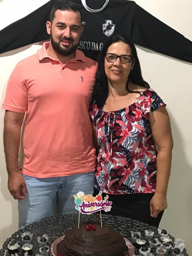 Douglas e Cirene no aniversário de 30 anos do empresário. Crédito: Arquivo pessoal