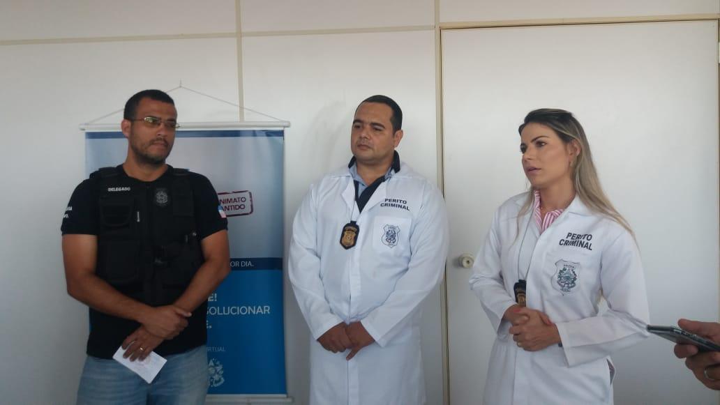 Delegado Daniel Fortes com os peritos Laila Marques e Onezio Barbosa. Crédito: Elis Carvallho