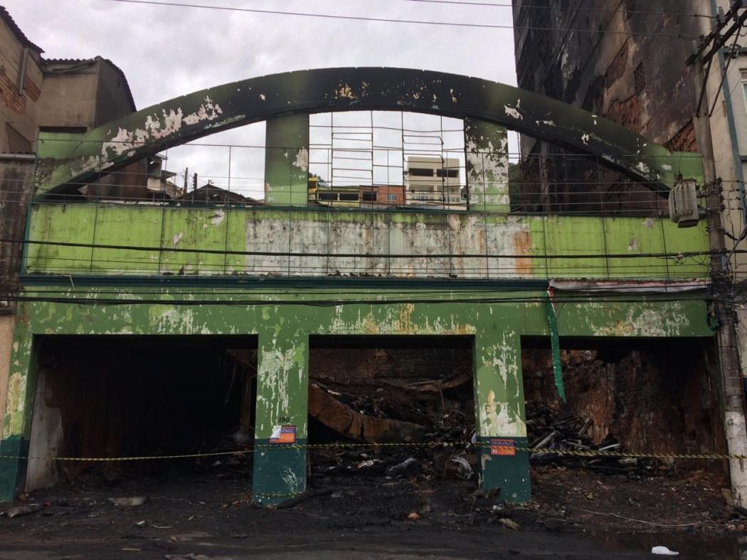 O fogo que consumiu loja de couros na Vila Rubim também pode atrapalhar o carnaval 2020 segundo presidentes de escolas de samba. Crédito: José Renato Campos