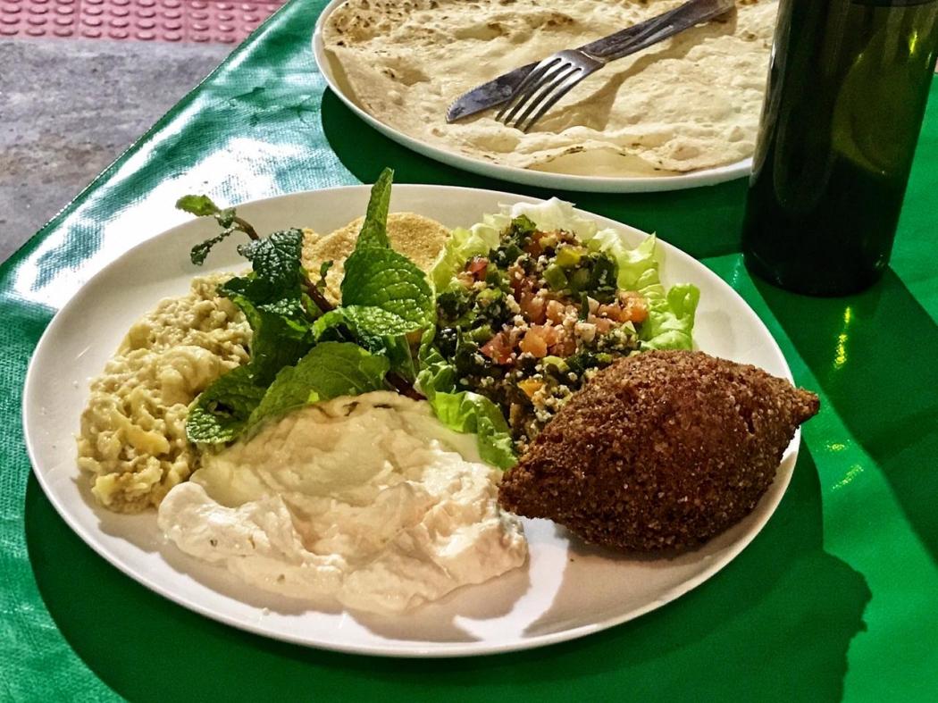 Pastas árabes, coalhada seca, tabule e quibe do bar Al Jazira, no Centro de Vitória. Crédito: Evelize Calmon