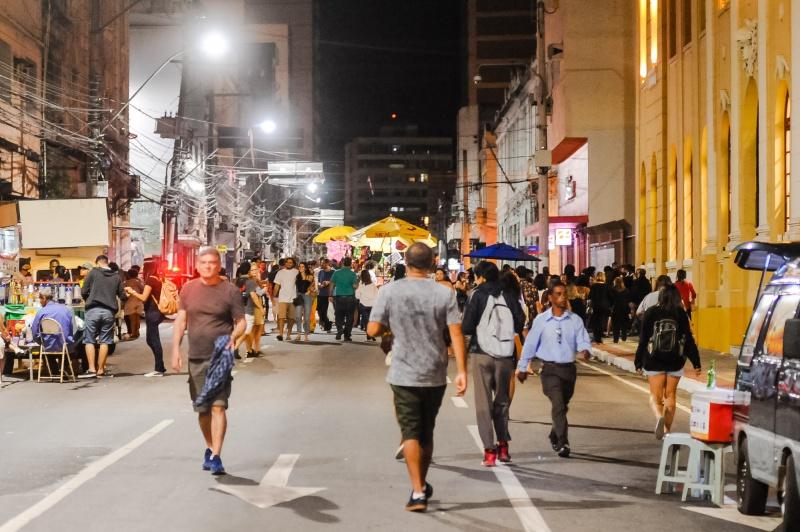 Ambulantes durante o Viradão Vitória 2019 usarão uniforme e terão crachá para identificação. Crédito: Leonardo Silveira/PMV