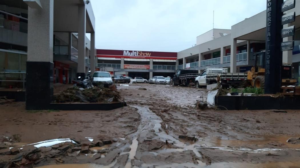 Destruição em Iconha após o temporal. Crédito: Internauta