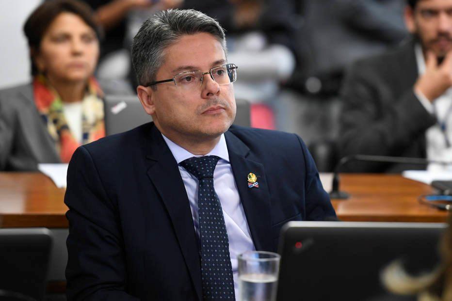 Alessandro Vieira foi eleito pela primeira vez para o Senado com 470 mil votos. Crédito: Edilson Rodrigues/Agência Senado